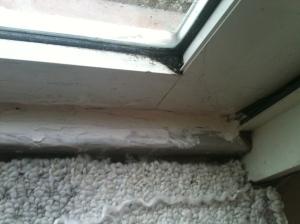 door crack